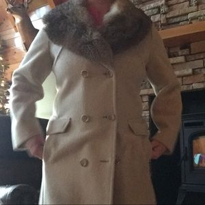 Jackets & Blazers - Luxurious rabbit fur collar vintage wool coat